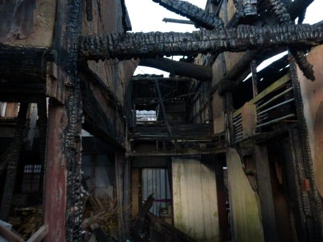 民家の焼け跡